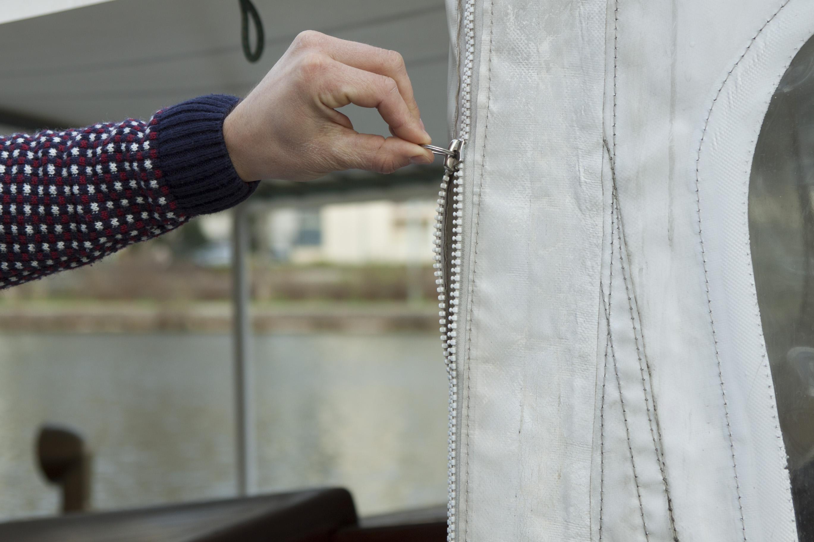 fermeture en plastique sur un bateau